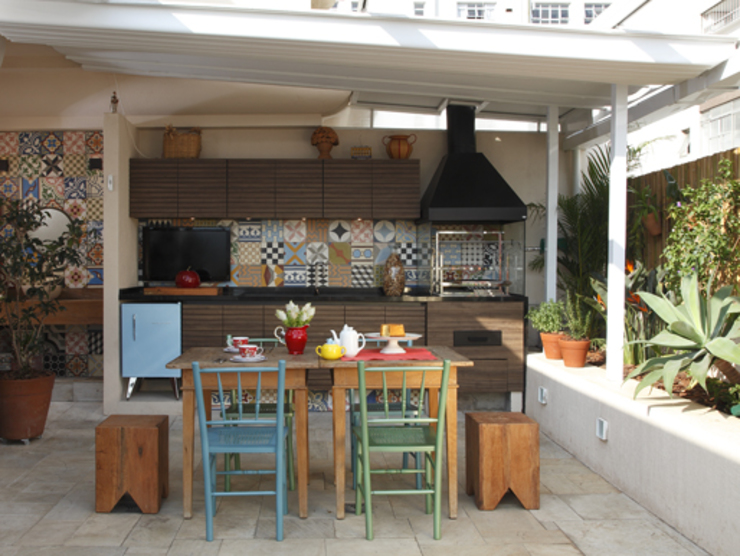 Patios by Lore Arquitetura,