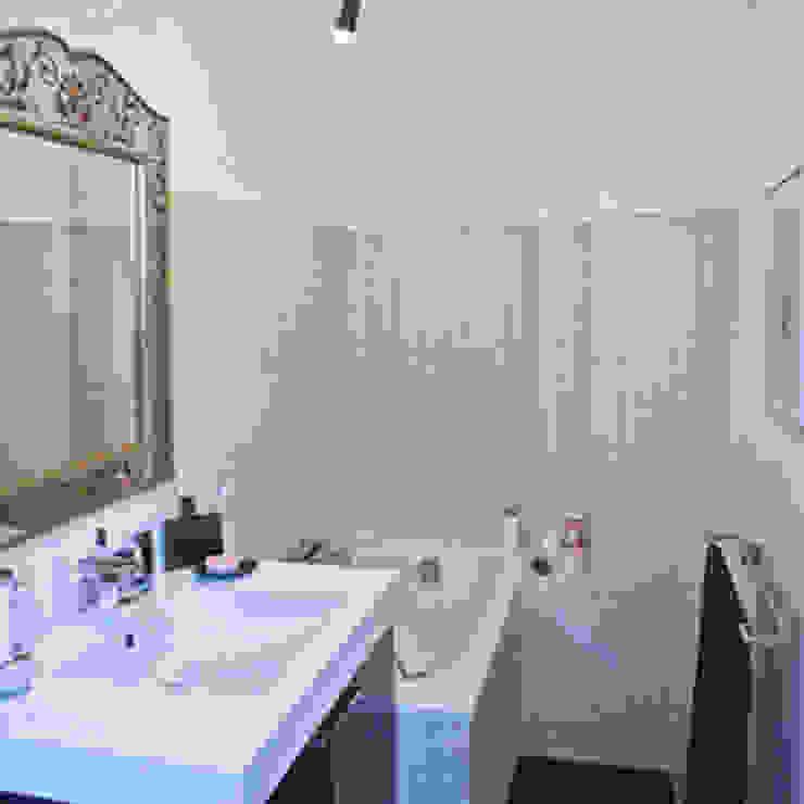Appartement Batignolles Salle de bain moderne par Priscilla Martin Moderne