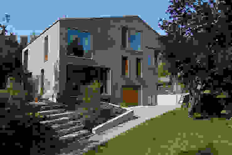 Zwei Wohnkulturen unter einem Dach Moderne Häuser von Halle 58 Architekten Modern