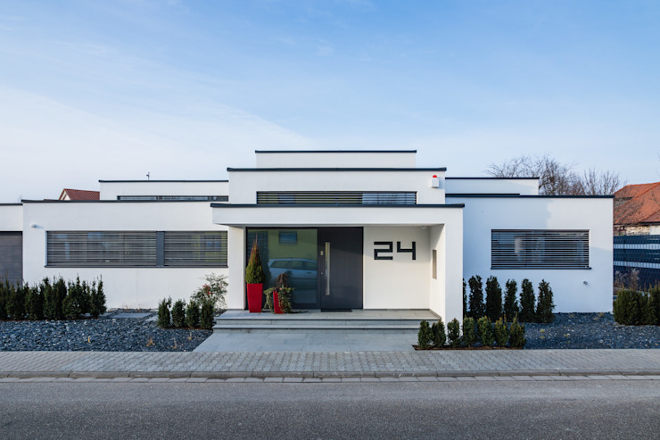 Cascade House - Single Family House in Bürstadt, Germany モダンな 家 の Helwig Haus und Raum Planungs GmbH モダン