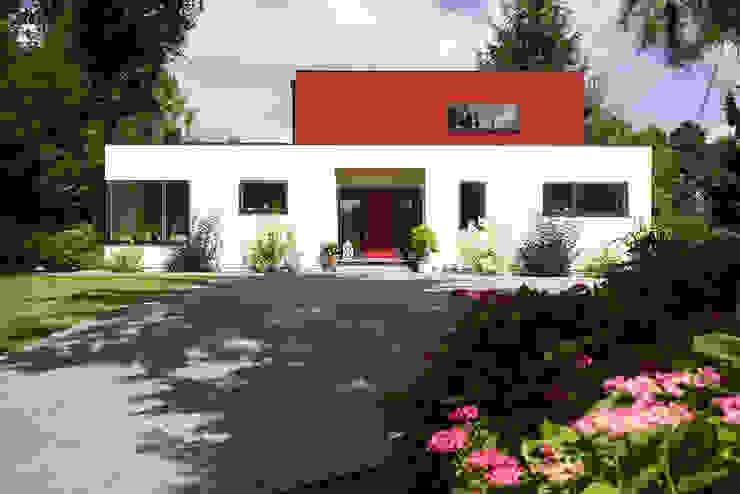 Nowoczesne domy od MAX-Haus GmbH Nowoczesny
