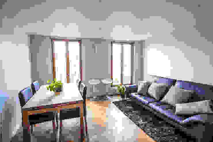 Duplex Lumineux Salon moderne par Solenne Brugiroux Architecte Moderne