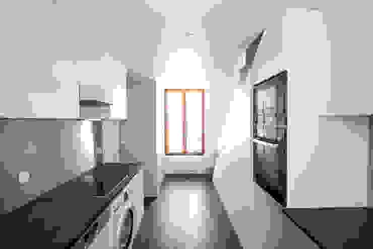 Duplex Lumineux Cuisine moderne par Solenne Brugiroux Architecte Moderne