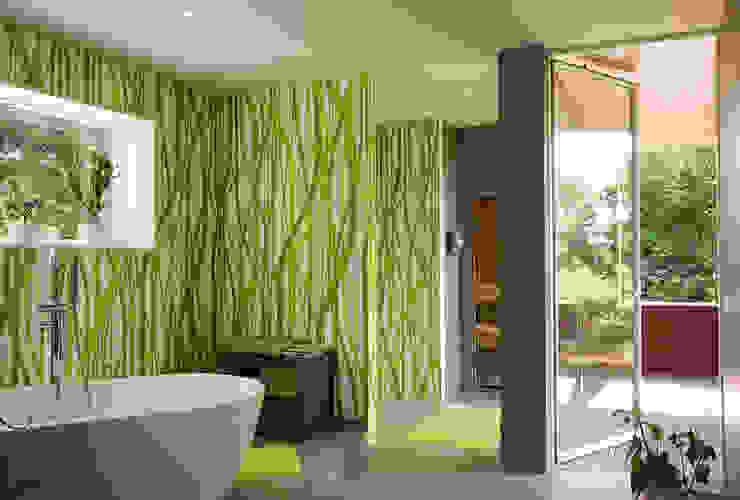 Ванная комната в стиле модерн от MAX-Haus GmbH Модерн