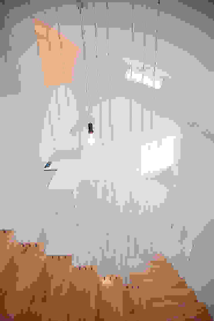 233-876 Minimalist living room by 3015 architects Minimalist
