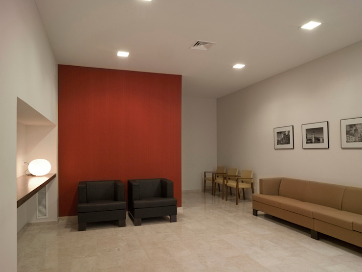 TANATORIO II Dormitorios de estilo moderno de SMB ARQUITECTURA Moderno