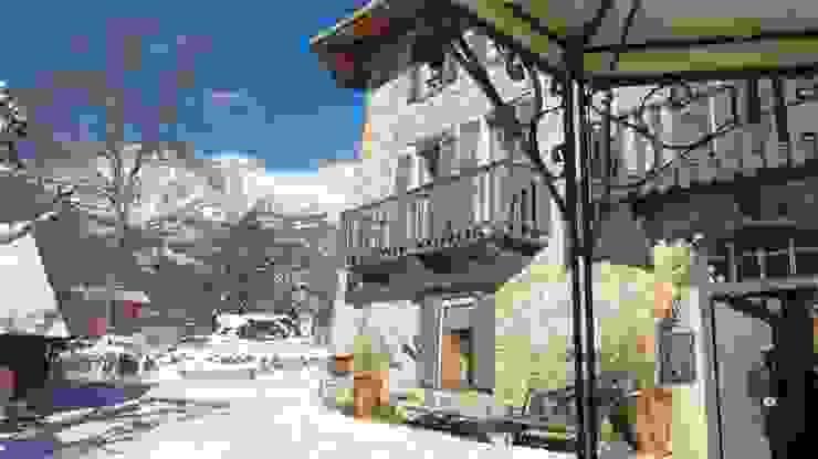 La façade en hiver par Les Means