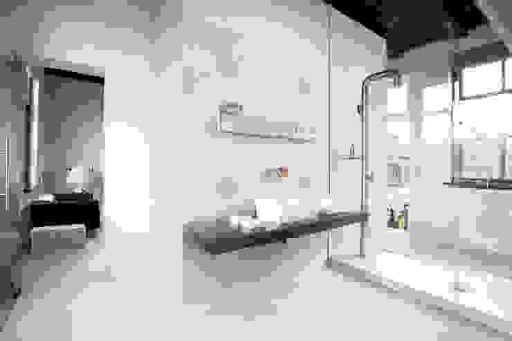 Petra White 60x60 Mos. Intreccio by Emilceramica Group