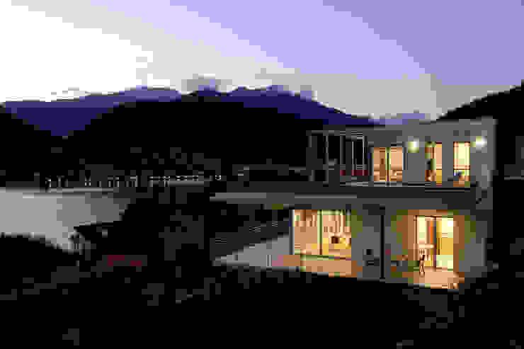 Nowoczesne domy od Fabrizio Bianchetti Architetto Nowoczesny