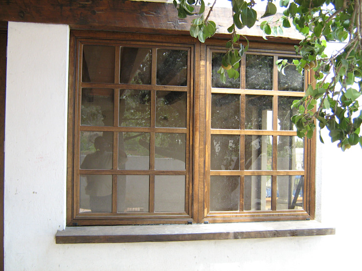 Rustic style windows & doors by Multivi Rustic