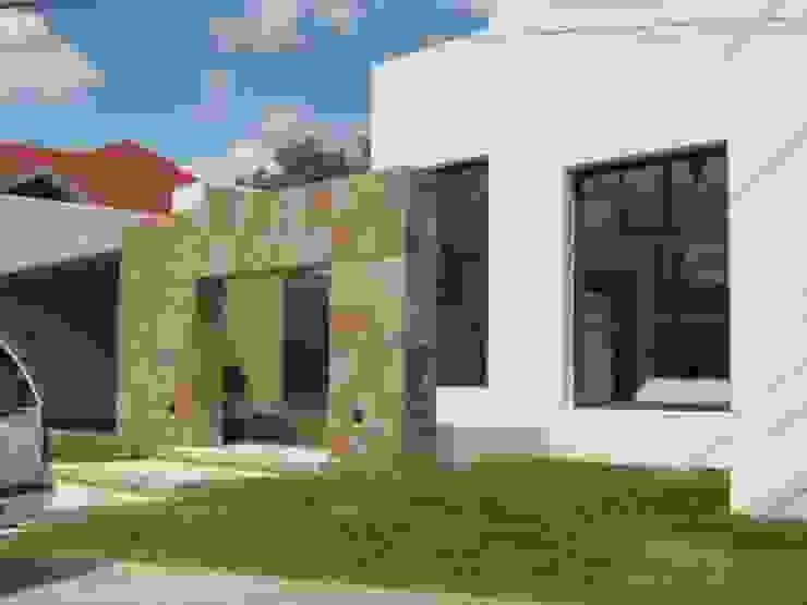 Puertas y ventanas de estilo moderno de Multivi Moderno