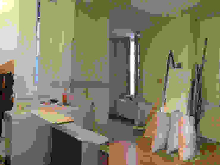 Appartement dans quartier historique de Dijon Salle de bain rustique par Kreatitud Déco Design Rustique