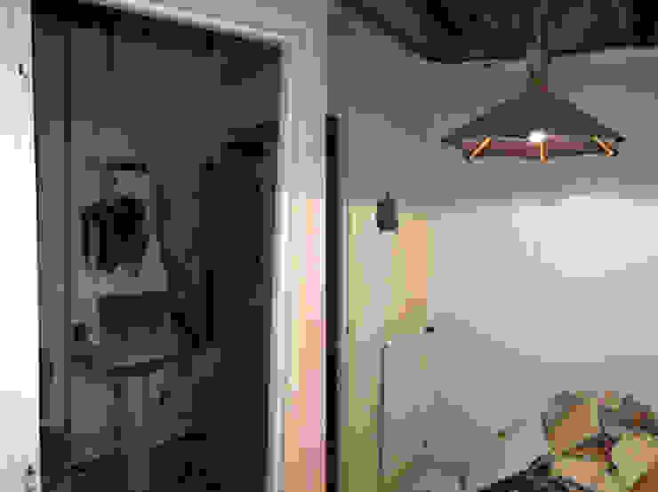 Appartement dans quartier historique de Dijon Chambre rustique par Kreatitud Déco Design Rustique