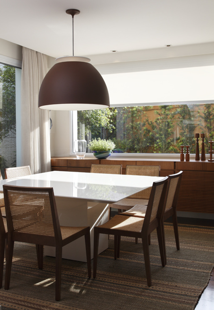 Classic style dining room by Lore Arquitetura Classic