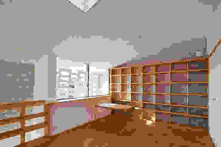 SHIRASU モダンデザインの 多目的室 の ARAY Architecture モダン