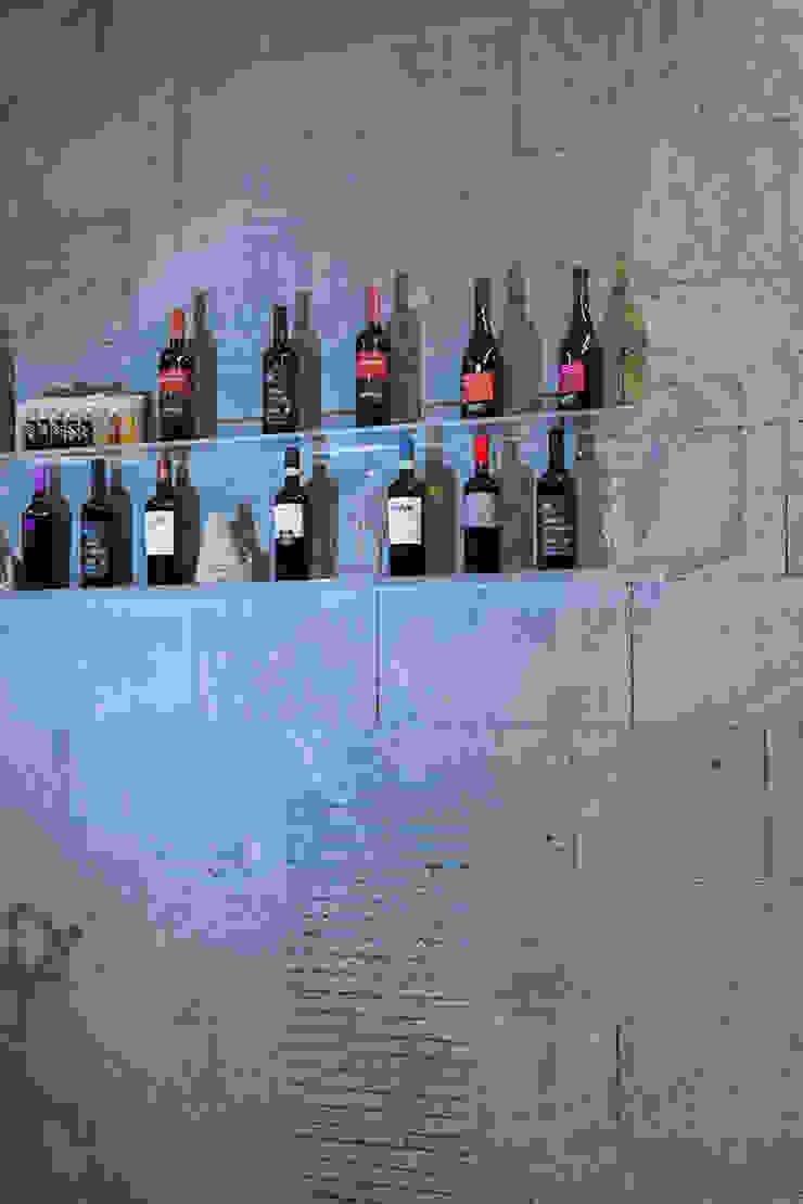 Pareti in pietra lavica grigia Gastronomia in stile moderno di Ranieri Pietra Lavica Moderno