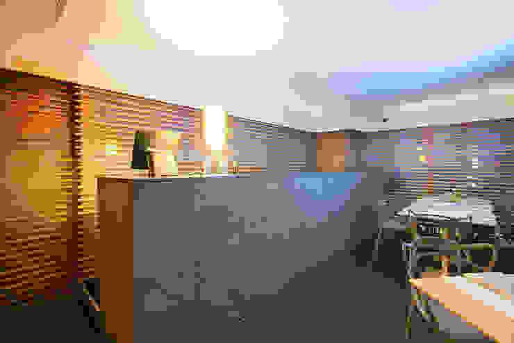 bancone bar in pietra lavica naturale di Ranieri Pietra Lavica Moderno