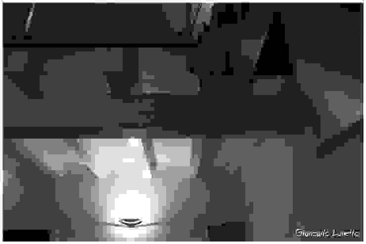 Ignazio Buscio Architetto Corridor, hallway & stairsLighting