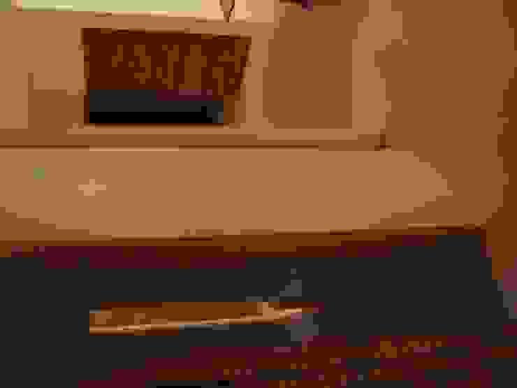 VILLA - V 09 di Casamassima Studio di Architettura Moderno