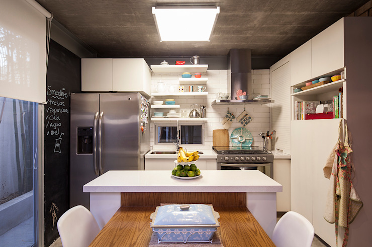 Casa Brisas:  de estilo  por Garza Camisay arquitectos,