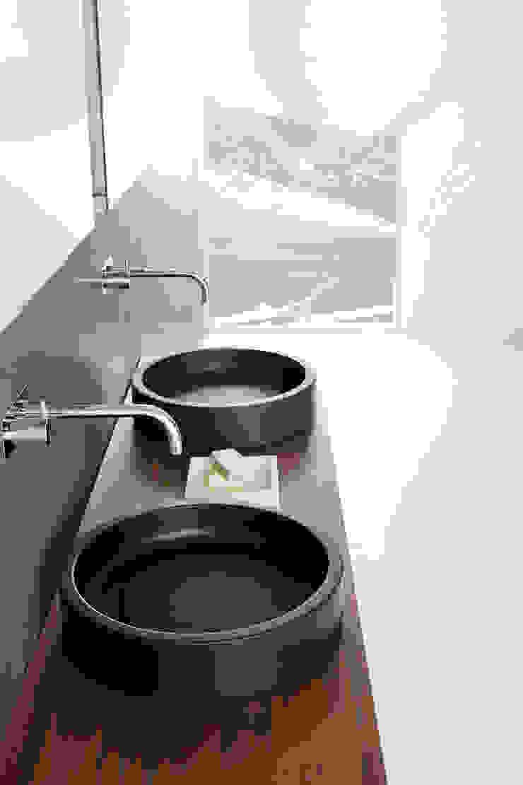 NEUTRA DESIGN Bathroom