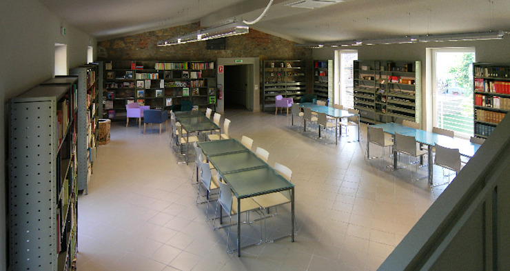 sala polivalente di daniele galliani Minimalista