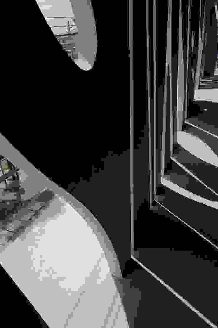 Stripes モダンな商業空間 の EASTERN design office イースタン建築設計事務所 モダン