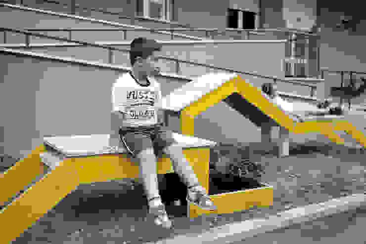 STRIP-TEASE_3 de a.b. - Ander Barandiaran Minimalista