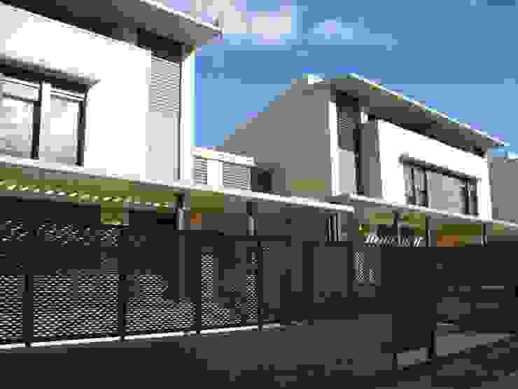 Fachada Principal Casas de estilo moderno de ARQUIGESTIÓN ARAGÓN S.L.P. Moderno