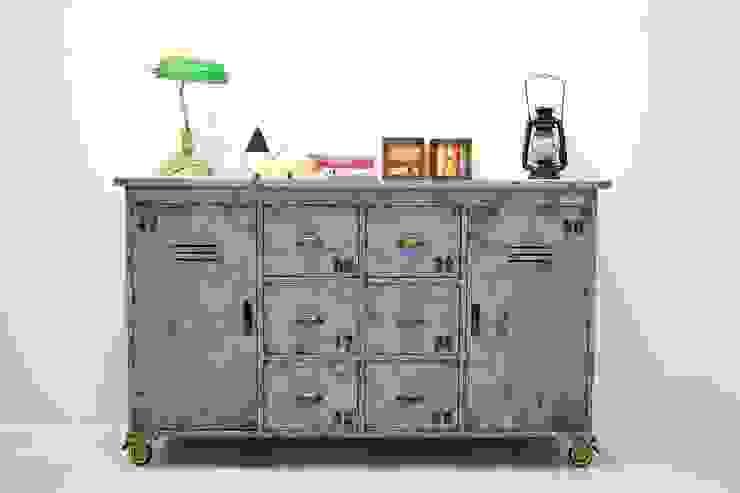 빈티지 블루 원목 철제 캐비닛: Gemma Art Company의 인더스트리얼 ,인더스트리얼