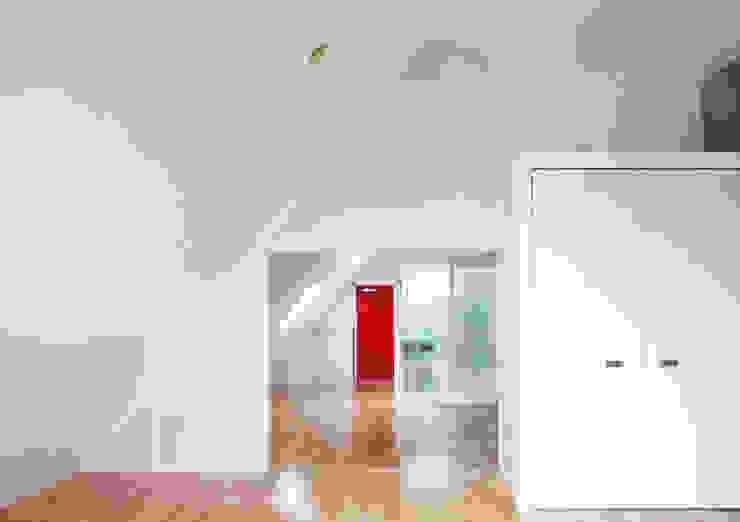 緑の環境と住宅 モダンな 窓&ドア の ユミラ建築設計室 モダン