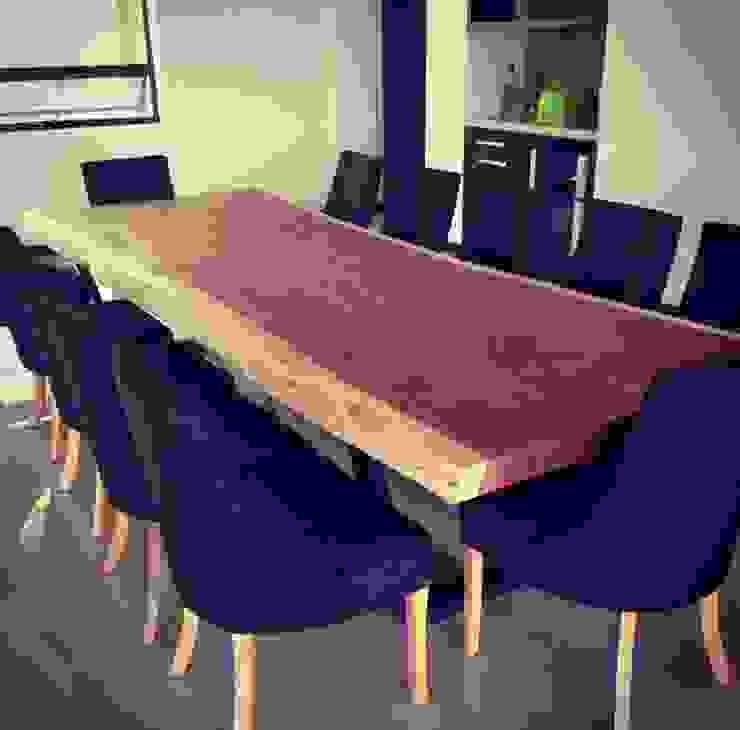 Dinner Table de MAKE DESIGN Moderno