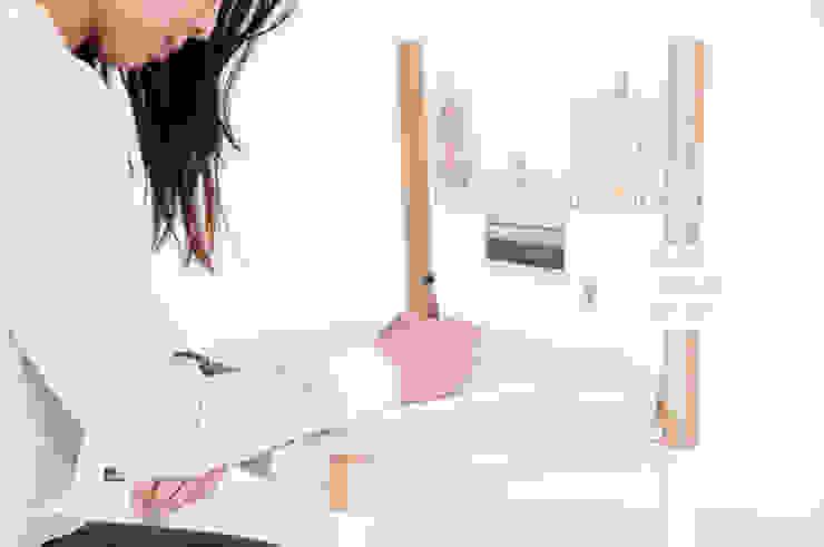 Kairi Eguchi Design Living roomSide tables & trays