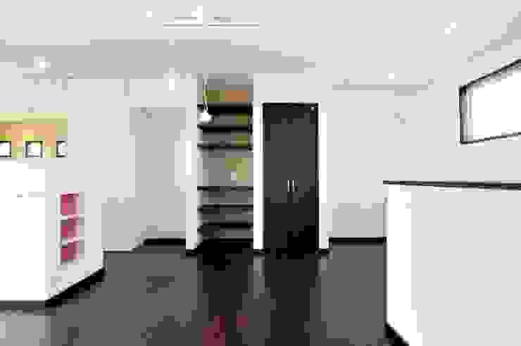 スクエア建築スタジオ Comedores de estilo moderno