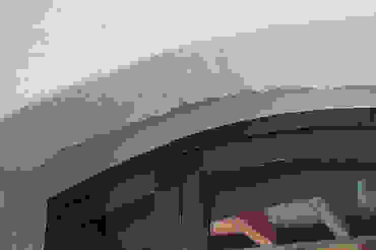 Minimal style window and door by Studio Athesis Minimalist