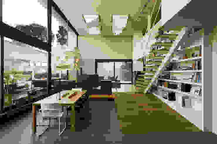 Casa D&E de sanahuja&partners Moderno