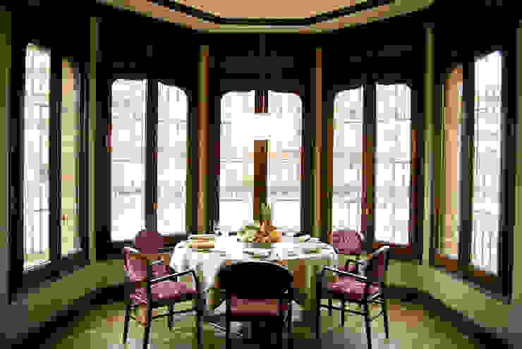 Salón, reconvertido en restaurante Hoteles de estilo clásico de ARQUIGESTIÓN ARAGÓN S.L.P. Clásico