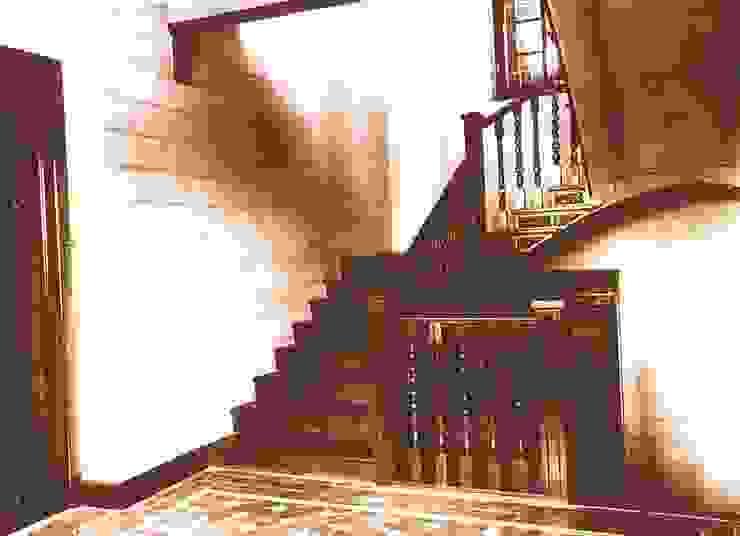Interior, hacia 1940. Escaleras Hoteles de estilo clásico de ARQUIGESTIÓN ARAGÓN S.L.P. Clásico