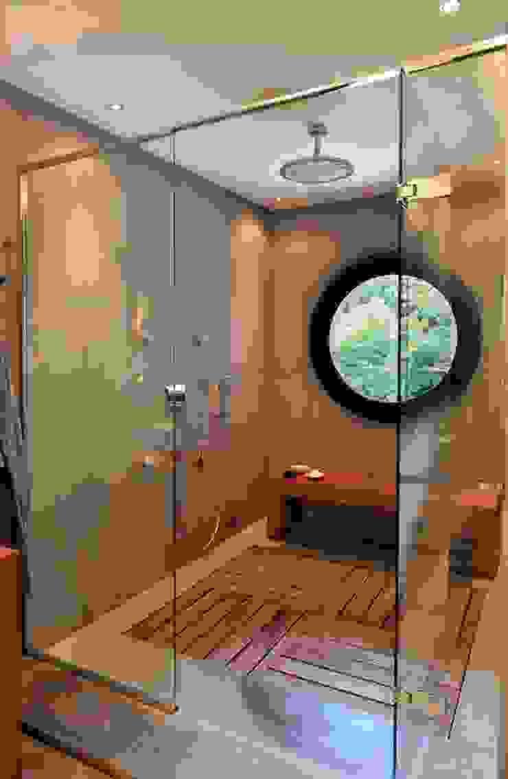 EK HOUSE SAKLIKORU Baños de estilo moderno de Esra Kazmirci Mimarlik Moderno