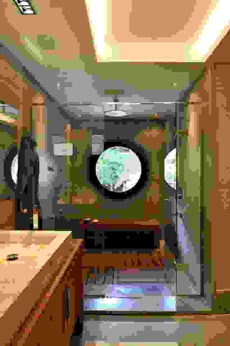 EK HOUSE SAKLIKORU Modern bathroom by Esra Kazmirci Mimarlik Modern