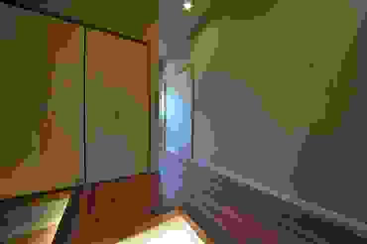 玄関 モダンスタイルの 玄関&廊下&階段 の スクエア建築スタジオ モダン