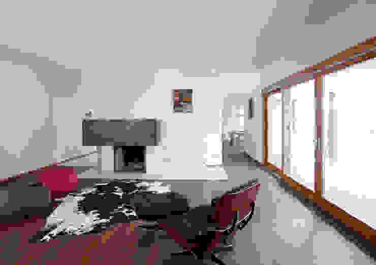 Modern houses by Alessandro Verona Studio Modern