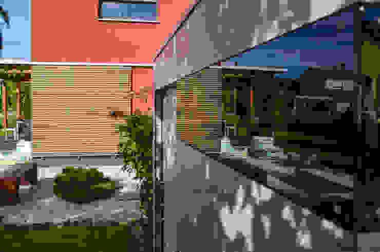 Modern style gardens by design@garten - Alfred Hart - Design Gartenhaus und Balkonschraenke aus Augsburg Modern Wood-Plastic Composite