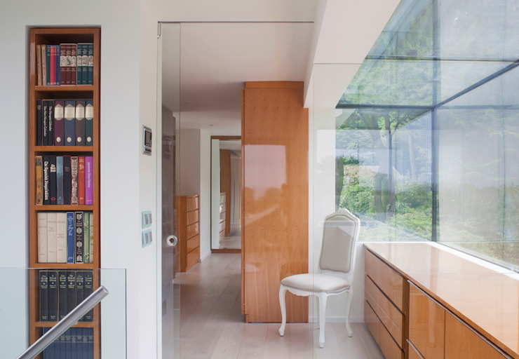 Etoile du Nord Modern Corridor, Hallway and Staircase by JAMIE FALLA ARCHITECTURE Modern