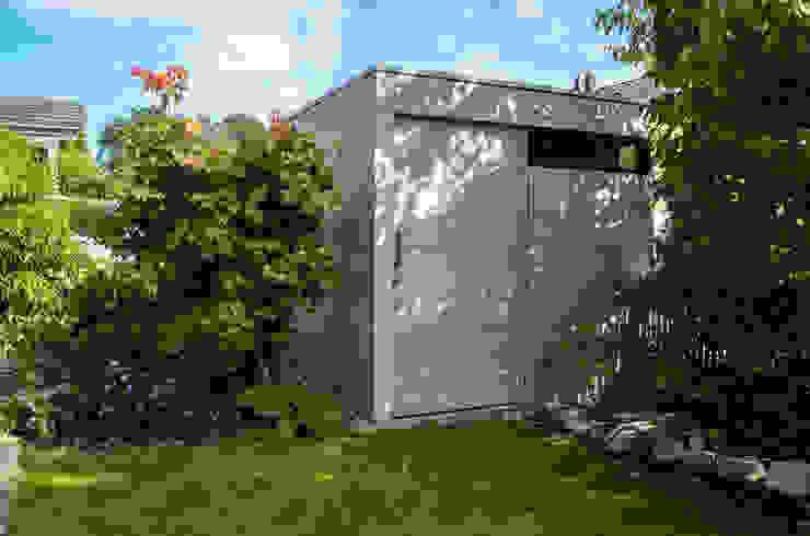 Taman Modern Oleh design@garten - Alfred Hart - Design Gartenhaus und Balkonschraenke aus Augsburg Modern Komposit Kayu-Plastik