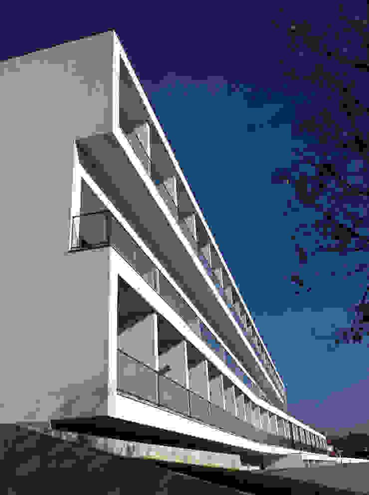 Eldery Residential Building Casas modernas: Ideas, imágenes y decoración de Atelier d'Arquitetura Lopes da Costa Moderno
