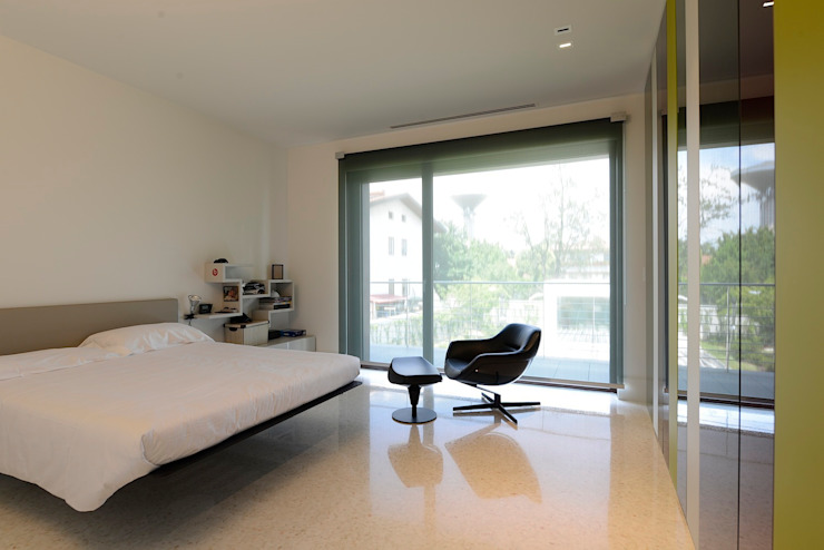 Bedroom by M A+D Menzo Architettura+Design,