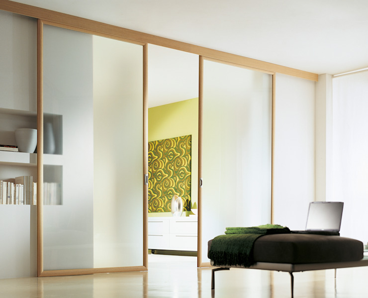 Modern windows & doors by MOVI ITALIA SRL Modern