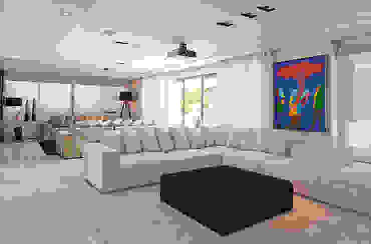 Ruang Keluarga oleh Link Interiores