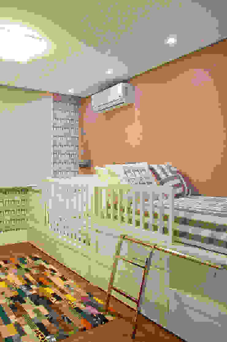 Cliente G Quarto infantil clássico por Link Interiores Clássico
